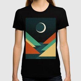 Quiet stream under crescent moon T-shirt