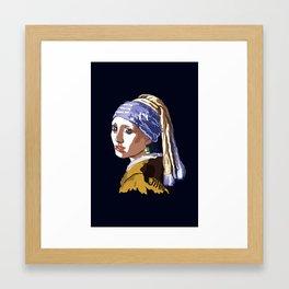 La joven de los mamones Framed Art Print