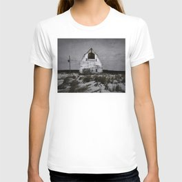 Winters come and winters go. T-shirt