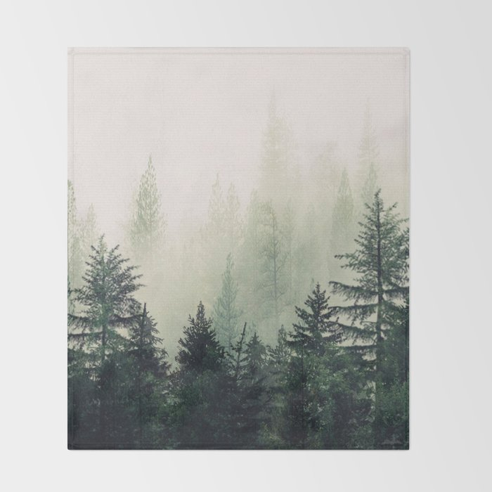 Foggy Pine Trees Decke