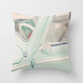 Escarabajo turquesa. Throw Pillow