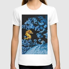 Jewel of the Coral Reef by Teresa Thompson T-shirt