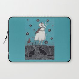 Between the Woods and Frozen Lake Laptop Sleeve