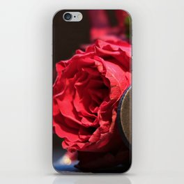 Heart roses | Coeur avec des roses iPhone Skin
