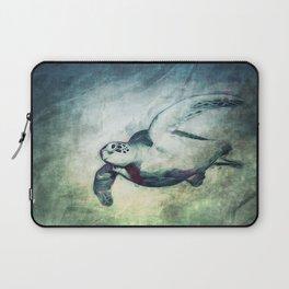 Flying Green Sea Turtle Laptop Sleeve