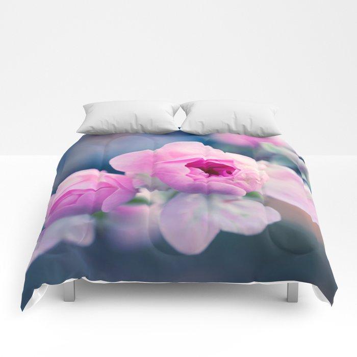 Pinkie Rose Buds Comforters