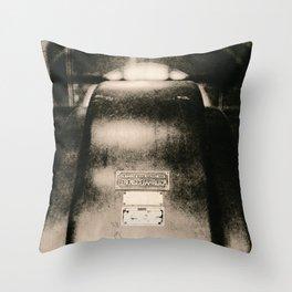 Über das Berühren von Wicklungen / About touching windings Throw Pillow