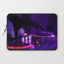 DJ Slapping The Decks Laptop Sleeve
