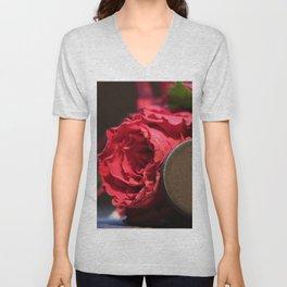 Heart roses | Coeur avec des roses Unisex V-Neck