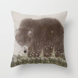 The flight of the bumble bee Throw Pillow