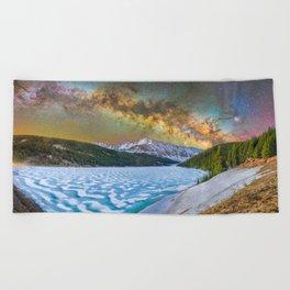 Milky way over Clinton reservoir Beach Towel