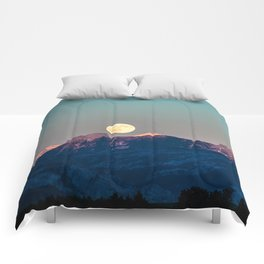 The Rising Moon Comforters
