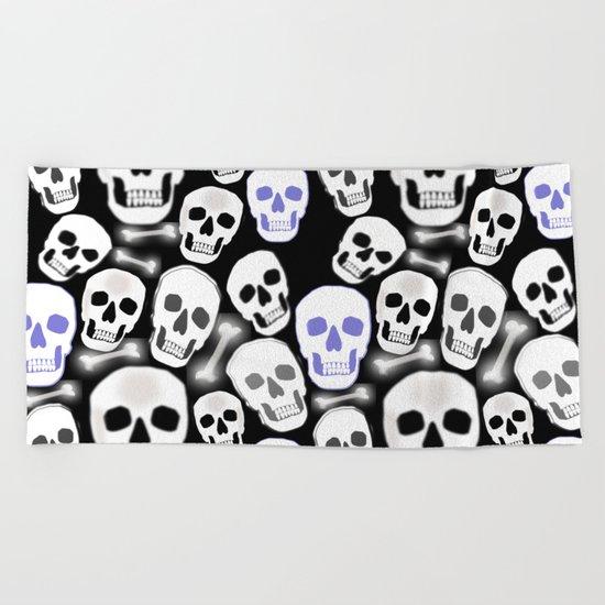 Small Tiled Skull Pattern Beach Towel