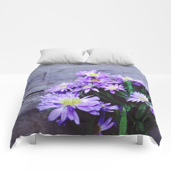 Pretty Blue Flowers Comforters