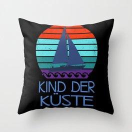Kind der Küste Nordsee Meer vintage Throw Pillow