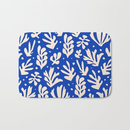 matisse pattern with leaves in blu Bath Mat