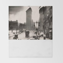 Vintage Photograph of The NYC Flat Iron Building 2 Throw Blanket