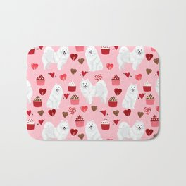 Japanese Spitz cupcakes valentines day pure breed dog pattern pet gifts for dog lovers Bath Mat