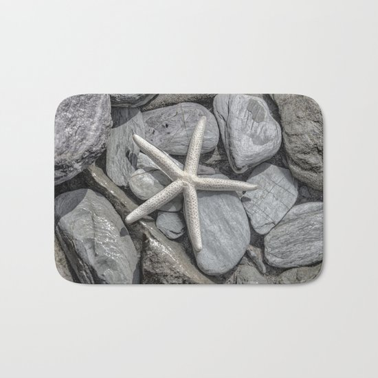 Starfish on Rocks monochrome beige Bath Mat