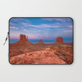 Westward Dreams - Sunset in Monument Valley Laptop Sleeve