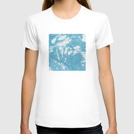 Blue Liquid Paint With Cream Splashes Abstract Design T-shirt