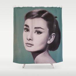 Hepburn 5 v zelenkavém Shower Curtain