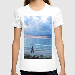 Mermaids Cove sea storm T-shirt