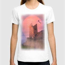Castle in the evening T-shirt