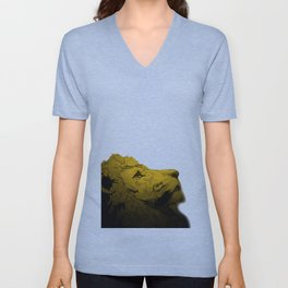 Dont Tame A King ~ Warmness Unisex V-Neck