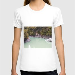 george river new zealand blue lake reflection on water T-shirt