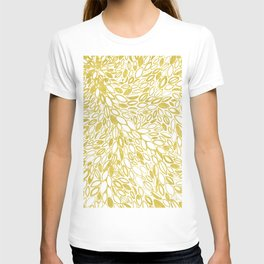 Golden Doodle petals T-shirt