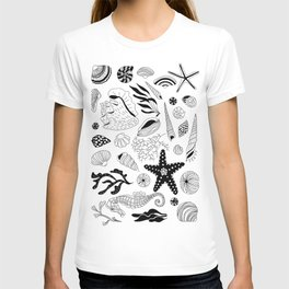 Tropical underwater creatures and seaweeds T-shirt