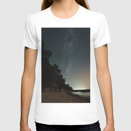 Milky way landscape at the coast of 'Colonia, Uruguay' T-shirt