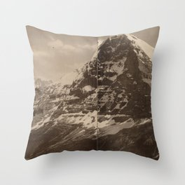Panorama du Lauberhorn Throw Pillow
