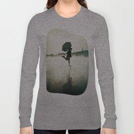 La danse de la pluie Long Sleeve T-shirt