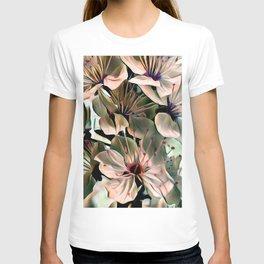 Wonderful silky Flowers C T-shirt