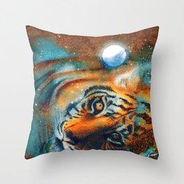 El descanso del tigre Throw Pillow