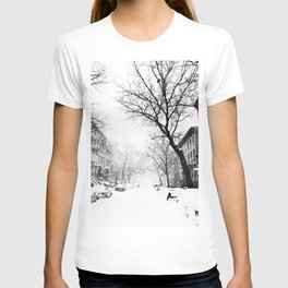 New York City At Snow Time Black and White T-shirt