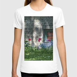 Early summer cottage T-shirt