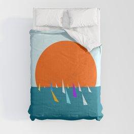Minimal regatta in the sun Comforters