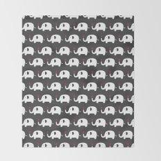 Elephants in love Throw Blanket