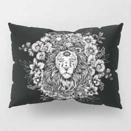 lion in flower bed Pillow Sham
