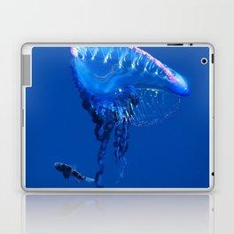 Fish and friend jellyfish Man O´War Laptop & iPad Skin