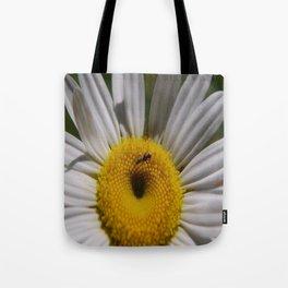 daisy macro Tote Bag