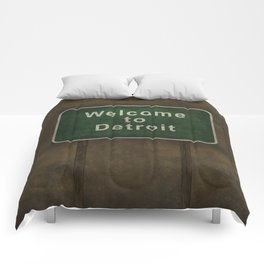 Welcome to Detroit highway road side sign Comforters