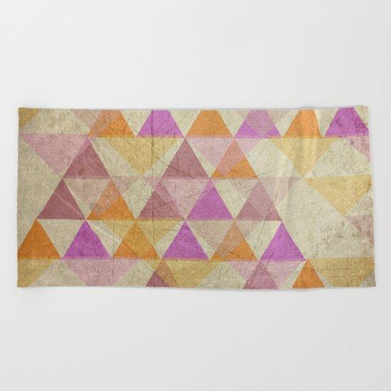 Pyramides Beach Towel