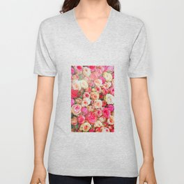 Roses:  I love you this much! Unisex V-Neck