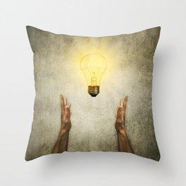 bulb idea Throw Pillow
