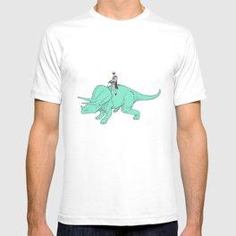 DB returns T-shirt