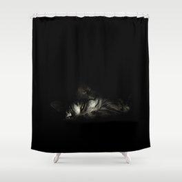 [Yeux jaunes] Shower Curtain